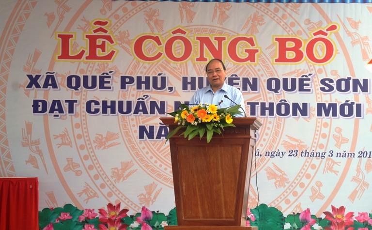 Thủ tướng Nguyễn Xuân Phúc phát biểu và dặn dò nhân dân, cán bộ xã Quế Phú